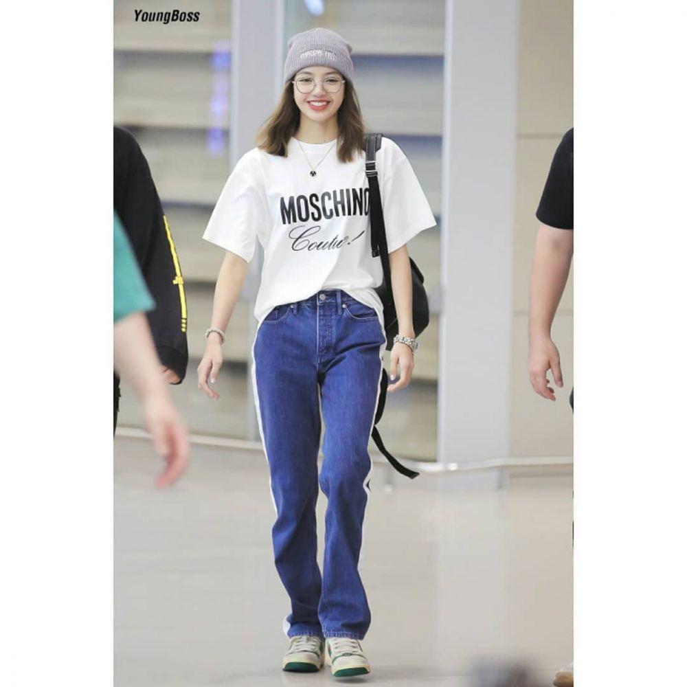 OOTD Lisa Blackpink, Lisa Blackpink, Outfit of The Day, OOTD, Inspirasi OOTD, inspirasi ootd blackpink, ootd lisa, inspirasi ootd lisa, inspirasi outfit, outfit lisa, outfit lisa blackpink